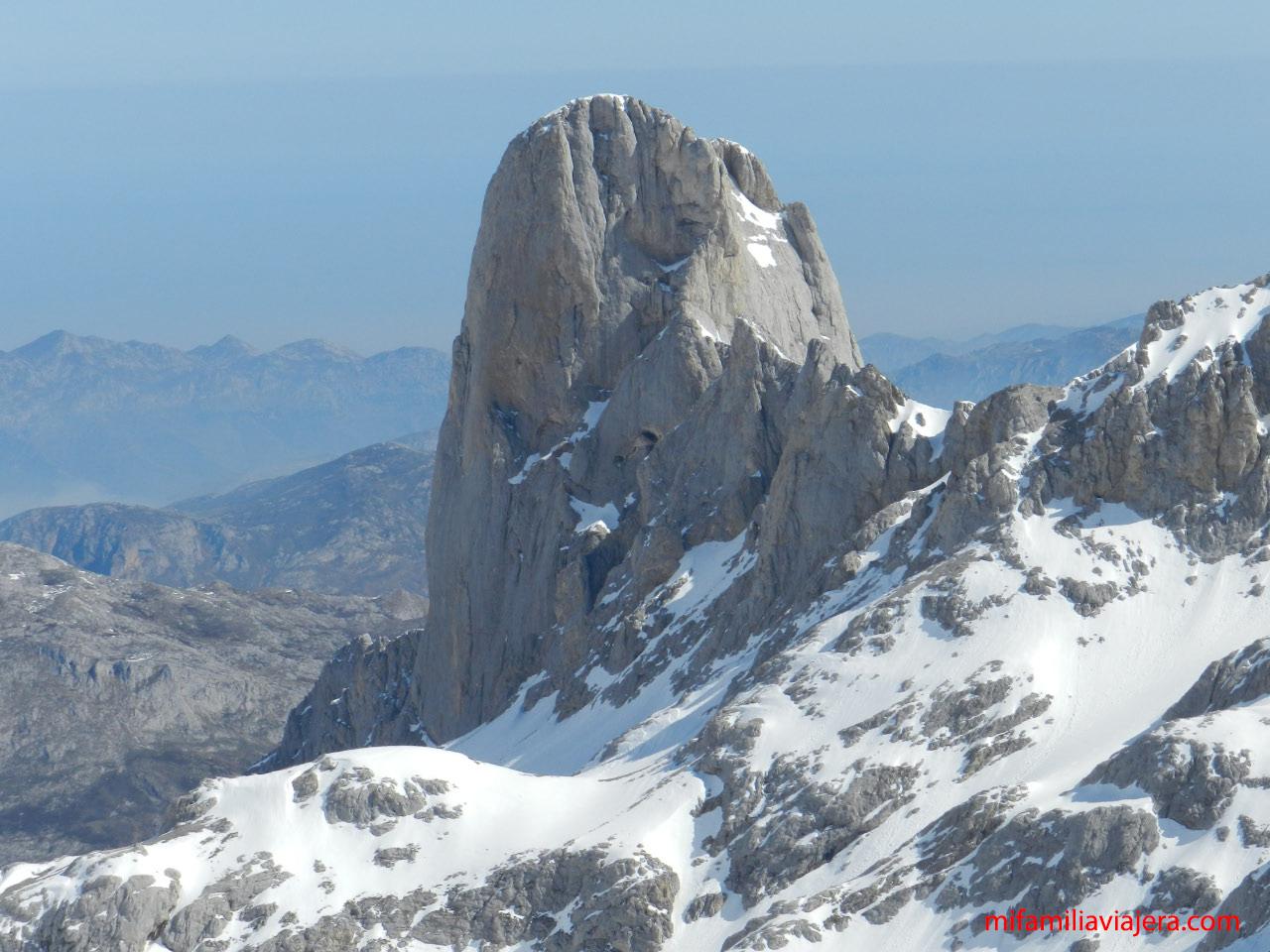 Pico de Urriellu o Naranjo de Bulnes