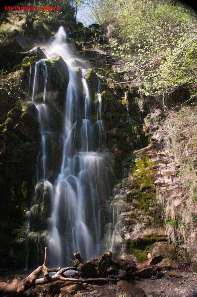 Senderismo con niños en Asturias Cascada de Xurbeo, Asturias