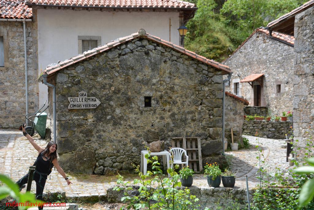 Barrio bajo de Bulnes - La Villa