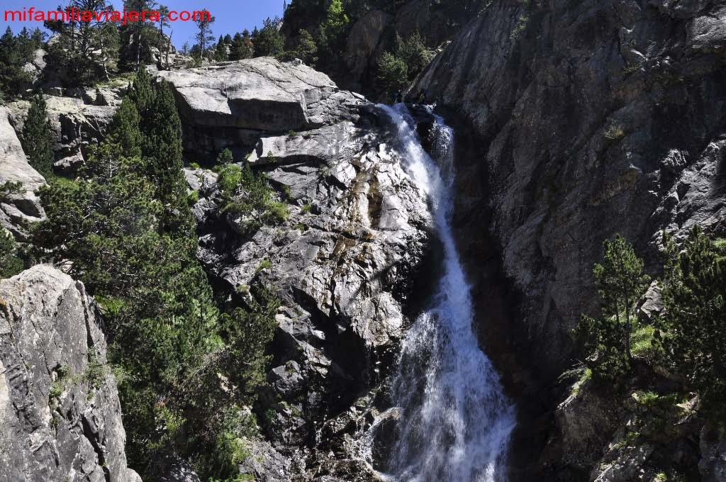 Panticosa, Ibón de Baños y río Caldarés. Huesca