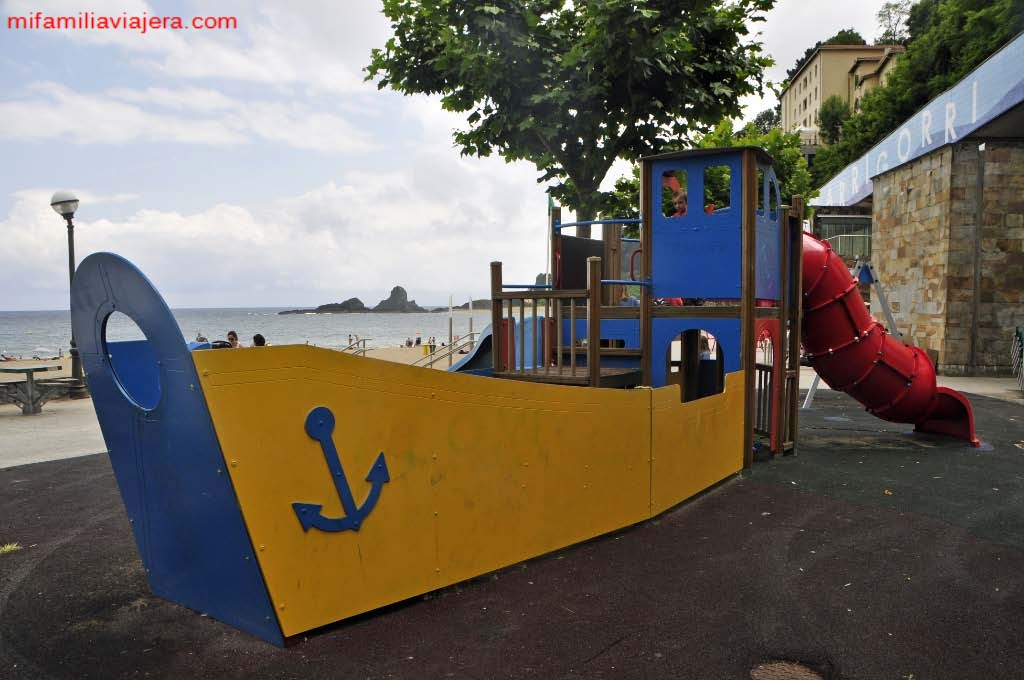 Parque infantil Playa de Orrigori