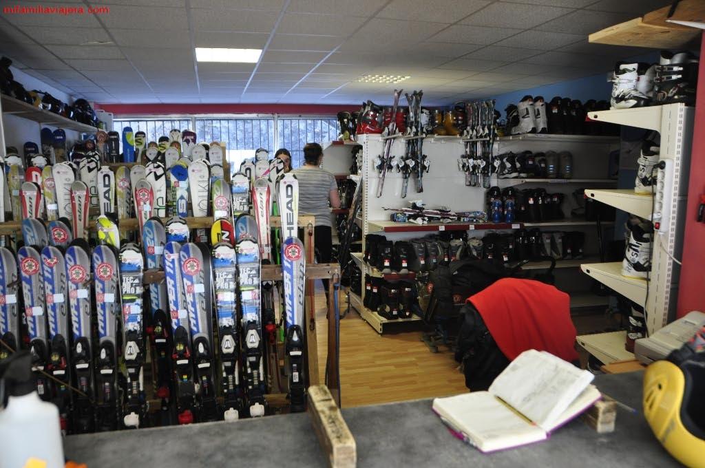Alquiler equipos Escuela Española de Esquí y Snowboard de San Isidro