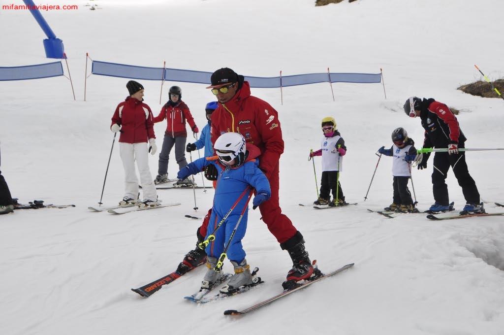 Clase Escuela Española de Esquí y Snowboard de San Isidro