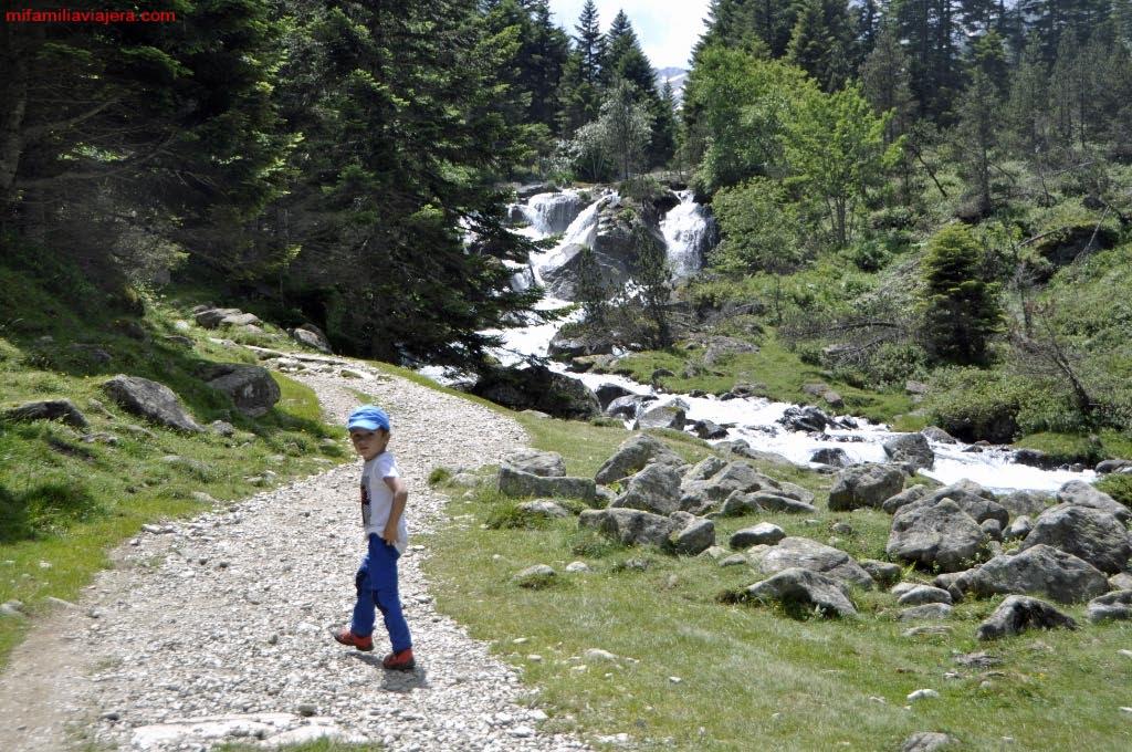 Valle de Lutour, Lago Estom, Parque Nacional de los Pirineos, Cauterets, Francia