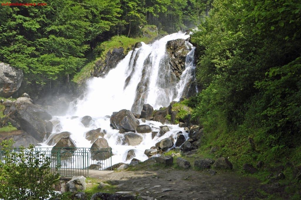 Valle de Lutour, Cascada de Lutour, Parque Nacional de los Pirineos, Cauterets, Francia