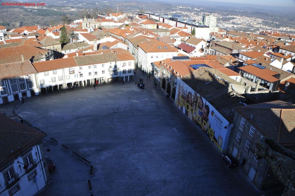 Praça Luís de Camões desde la Catedral
