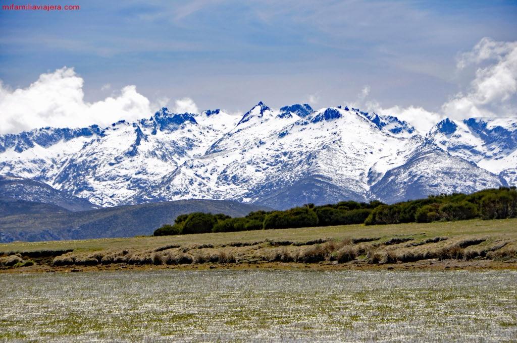 Panorámica del Circo glaciar de Gredos desde la laguna.