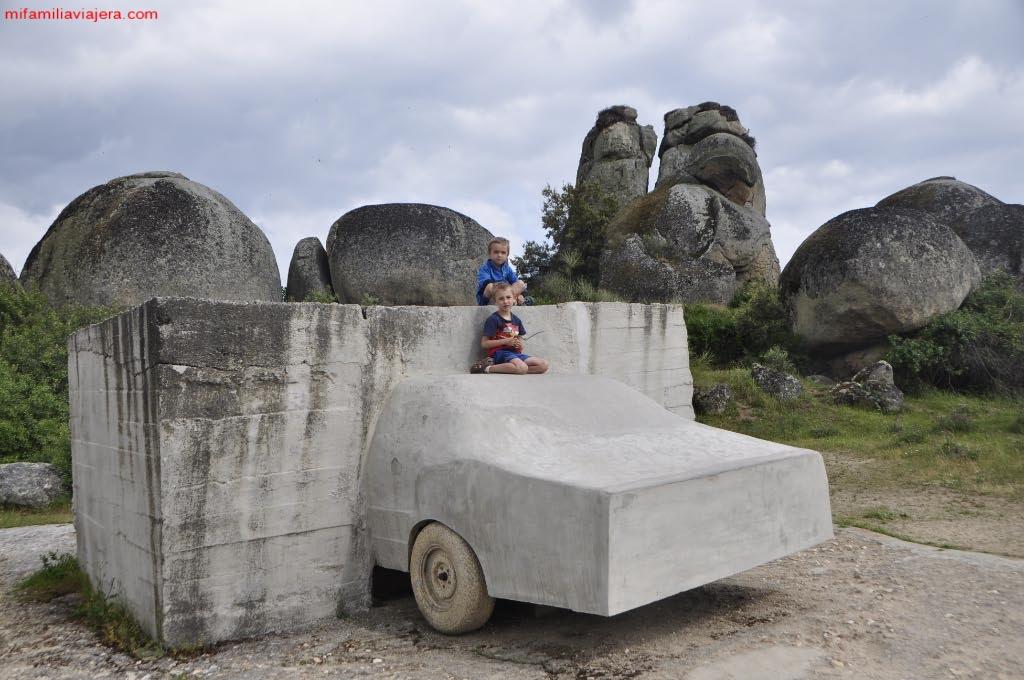 Monumento Arte Contemporáneo Vostell Malpartida