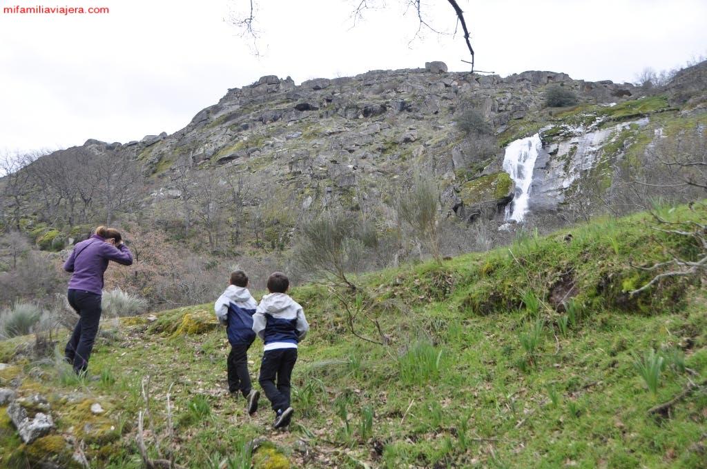 Vista de la cascada desde la finca particular