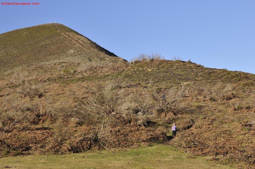 Subida al Pico Tres Concejos desde Campa Cimera
