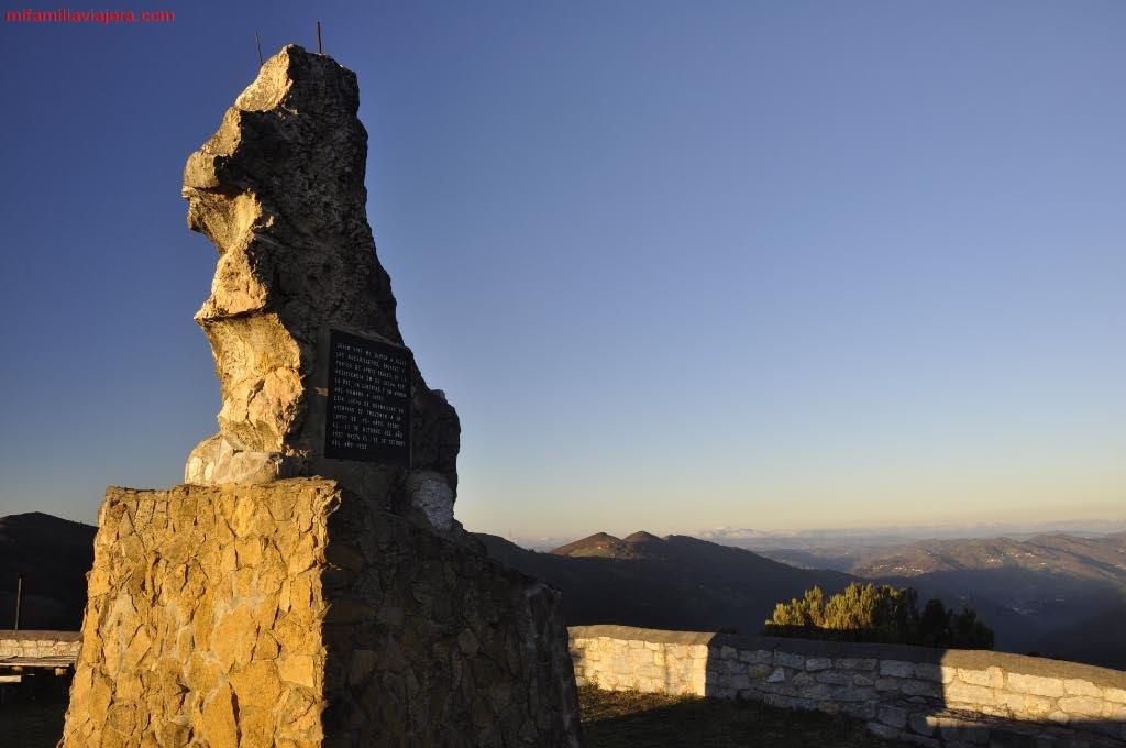Monumento en memoria de los caídos en la contienda de la Guerra Civil