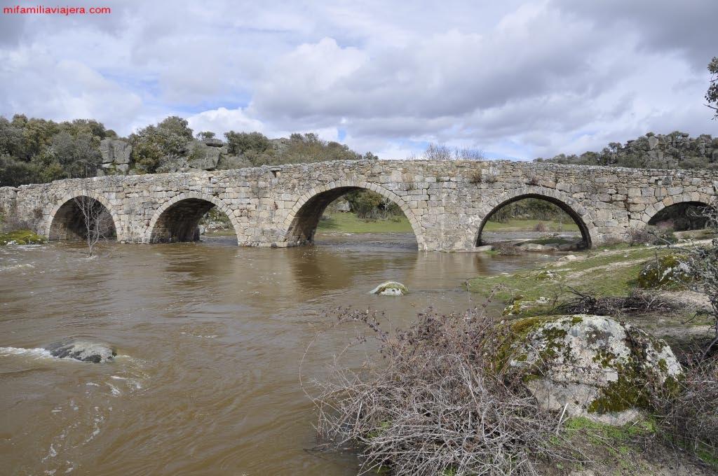 Puente romano sobre la Rivera de Cañedo