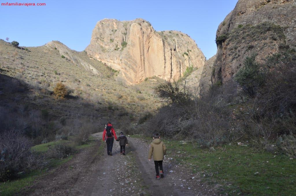 Camino de acceso al barranco