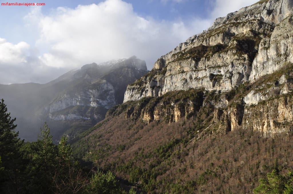 Paredes escarpadas de los Valles Occidentales