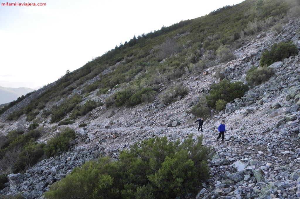 Sendero hacia el Paso de los Lobos